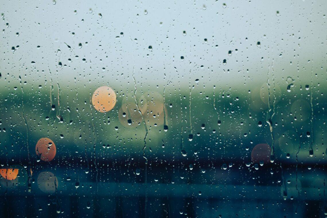 Faire du vélo par mauvais temps (pluie, froid…)