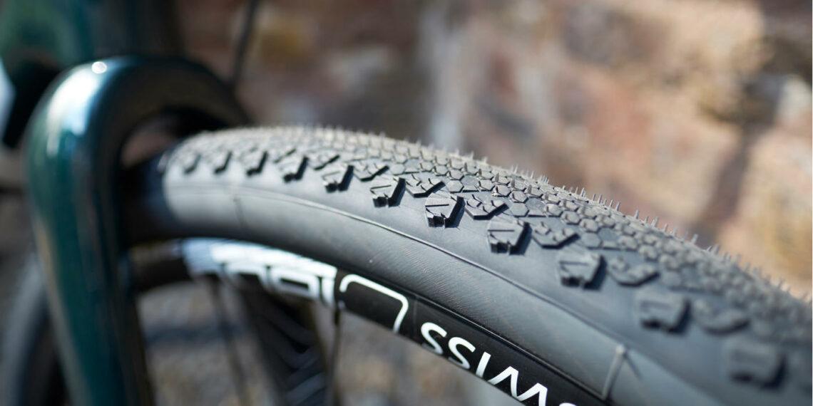 Les meilleurs pneus de vélo pour le cyclotourisme